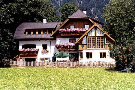Das Haus Helga in Mauterndorf.